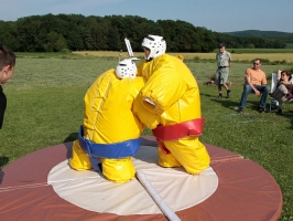 innov-events-loue-des-costumes-gonflables-de-sumo