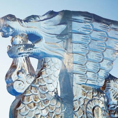 une-sculpture-en)glace-pour-votre-deco-d-evenement