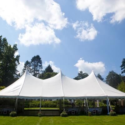 gamme de chapiteaux et de tentes adaptés à vos besoins