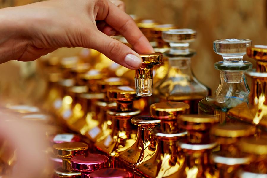 atelier-collaboratif-creation-parfum-team-building-professionnel