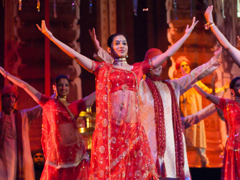 spectacle thème bollywood inauguration lancement de produits entreprise