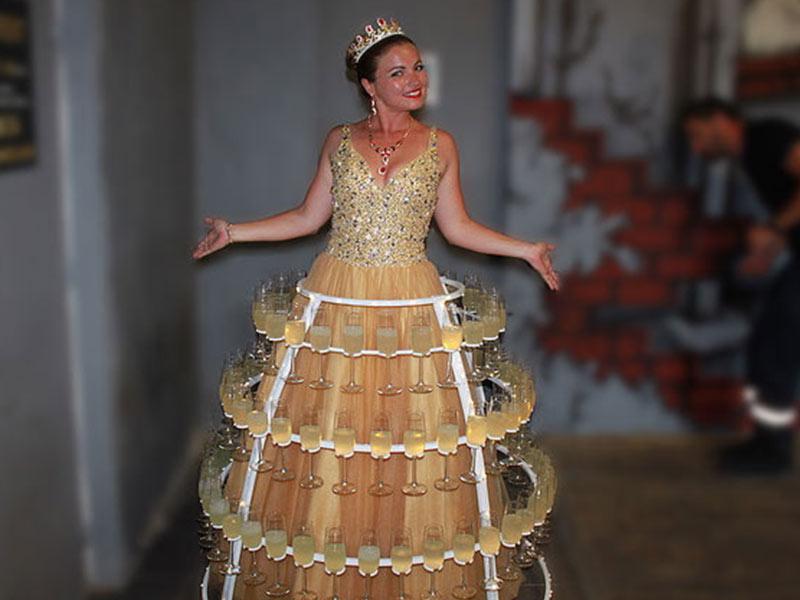 animation fête personnel entreprise Garden party robe à champagne