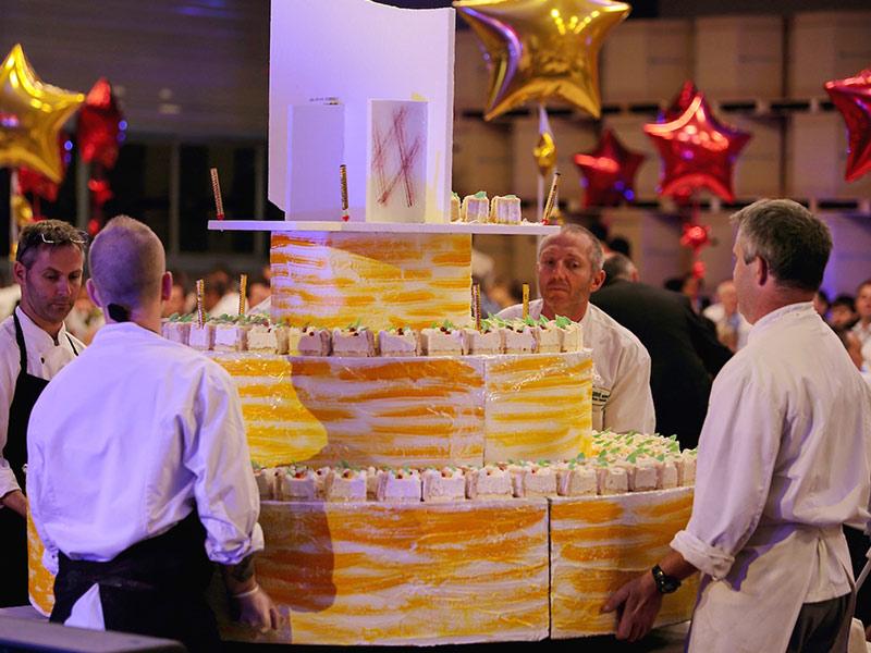 anniversaire entreprise gâteau traiteur insolite
