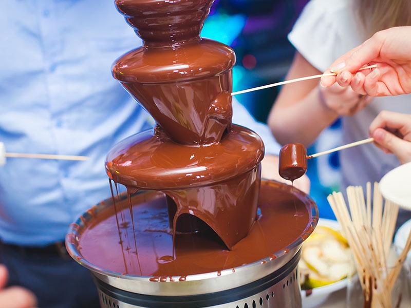 bar à chamallows fontaine chocolat anniversaire entreprise soirée gala Noël fête personnels