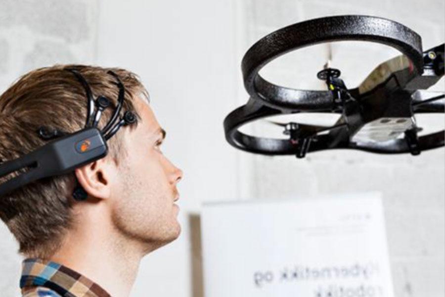 animation team building controle de drone par la pensee