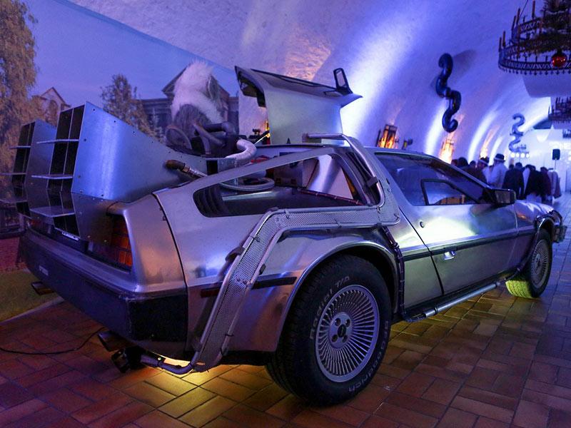 anniversaire entreprise fête personnel thématique DeLorean animation