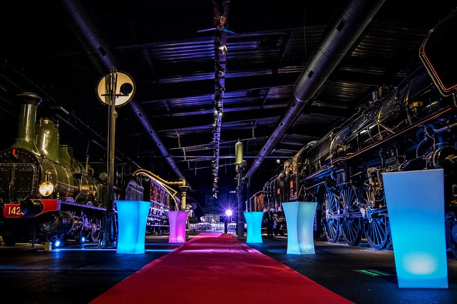 location meubles lumineux evenementiel